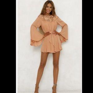 Coral mini dress ✨